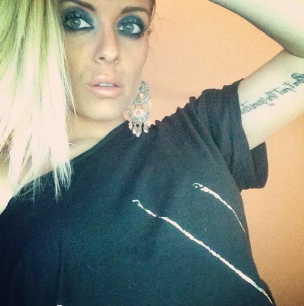 Alexia (#SS7): Selfie Ultra-sexy En Bikini Sur