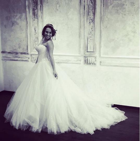 Alors, comment trouvez,vous Stéphanie en robe de mariée? N\u0027est,elle pas  sublime?