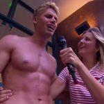 Hier soir dans le Mad Mag sur NRJ12, l'un des chroniqueurs de l'émission, Benoit Dubois, a offert une vue plongeante...sur ses fesses!