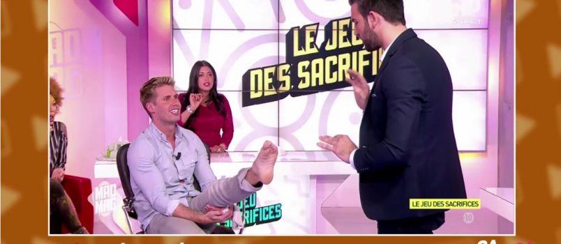 Aymeric Bonnery lèche le pied de Benoit Dubois! ZAPPING TELEREALITE DU 12/11/2016