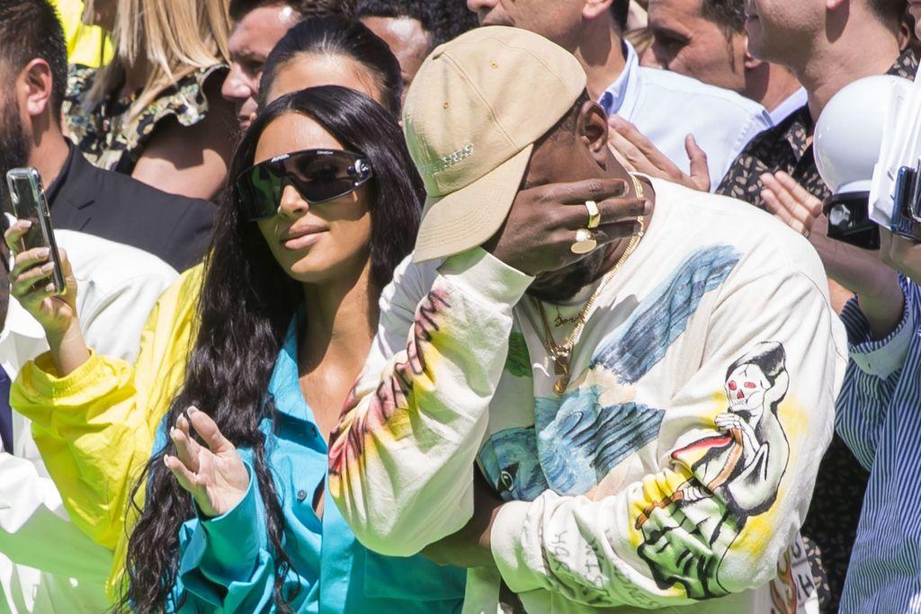 Kanye West Pleure Lors Defile Mode Homme Printemps Ete 2019 Louis