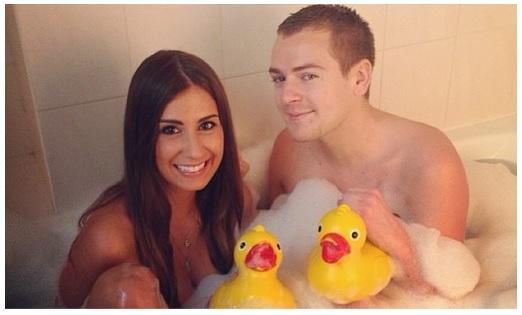 photos martika bachelor compl tement nue dans le bain de jeremstar gossip. Black Bedroom Furniture Sets. Home Design Ideas