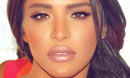 video-photos-leila-ben-khalifa-sensuelle-et-sexy-en-couverture-d-un-celebre-magazine_556d919f74cb1.jpg (520×315)