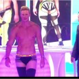 tpmp-le-defile-ultra-hot-de-matthieu-delormeau-les-fesses-a-l039air-zapping-people-du-17-09-2015_55fae99f70b6b.jpg